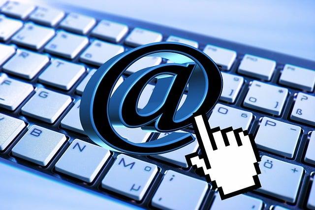 Kontakt über Email